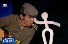 """Un director din Botoșani a primit trei de """"Da"""" la Românii au talent!"""