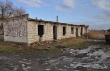 Dorohoi : O cladire dezafectata creeaza disconfort locatarilor din Drochia Nr.45