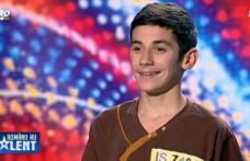 """Un adolescent din Dorohoi a uimit cu talentul său juriul și spectatorii la """"Românii au talent"""" - FOTO"""