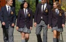 Revine moda uniformelor şcolare