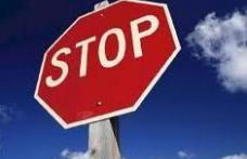 La un pas de tragedie din cauza ignorării semnalizării rutiere!