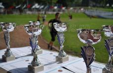 """Vezi câştigătorii concursului de cros organizat pe Stadionul Municipal """"1 Mai"""" din Dorohoi - FOTO"""