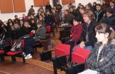 """Colegiul Naţional """"Grigore Ghica"""": Elevii claselor a XII-a s-au hotărât asupra profesiilor"""