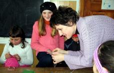 "[FOTO] Proiect educational - parteneriat  ""Sa ne cunoastem si sa ne pastram traditiile"""