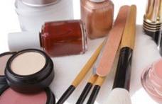 O treime dintre produsele cosmetice conţin cel puţin un ingredient cancerigen