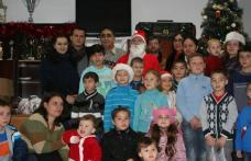Echipa deputatului Tamara Ciofu şi cea a Primăriei Botoşani au adus cadouri de Crăciun copiilor