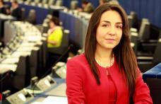 Eurodeputata Claudia Țapardel a solicitat în Parlamentul European mai mulți bani pentru construcția de autostrăzi în România