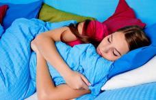Unele alimente te ajută să dormi, altele îţi tulbură somnul