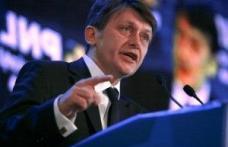 Antonescu lansează o nouă idee pentru românii din străinătate: Plăteşti taxe în ţară, votezi!
