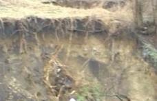 Broscăuţi : 60 de gospodării în pericol, din cauza alunecărilor de teren