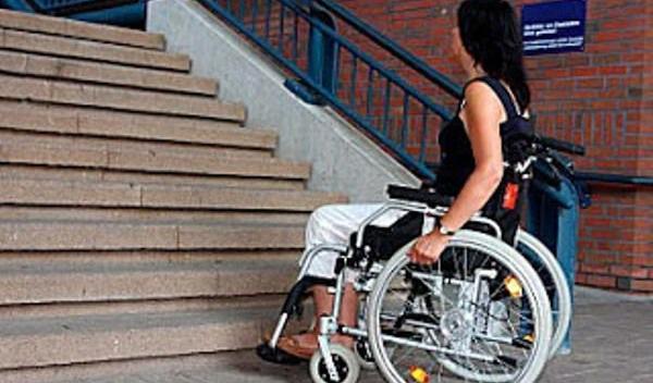 persoane cu handicap locomotor