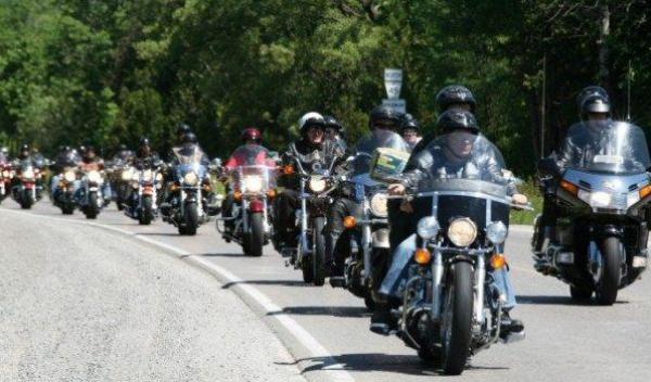 Paradă și concursuri moto la Dorohoi