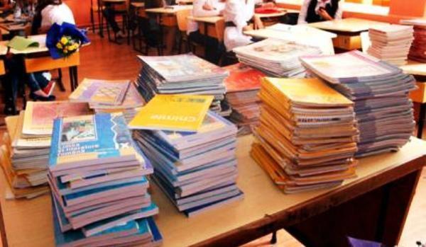 manualele pentru elevi