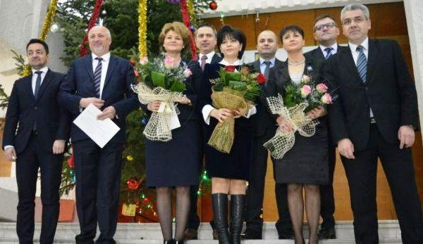 noii-parlamentari-si-au-primit-mandatele (3)