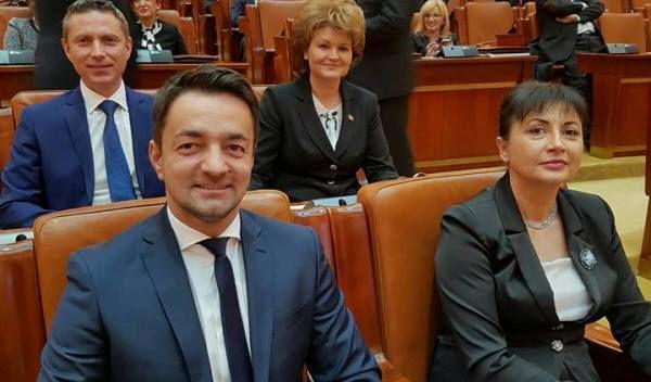 Poza_Parlament