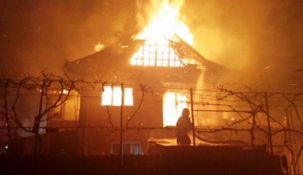 incendiu imobil