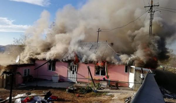 incendiu casa Stauceni 10