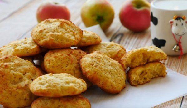 biscuiti cu mere