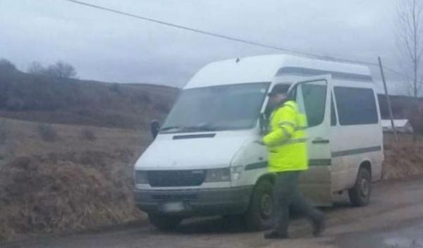 Mercedes cu documente false depistat în trafic