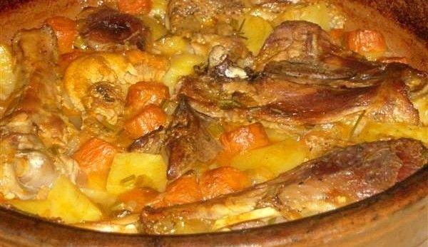carne-de-curcan-pe-cartofi