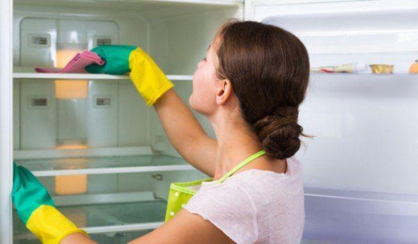 Curatarea_frigiderului