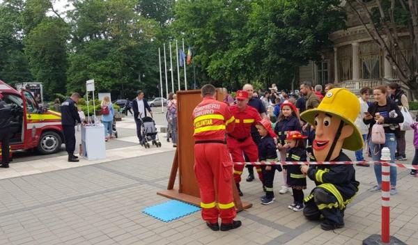 Pompieri 1 iunie_12