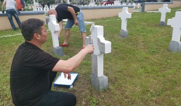 cimitir eroi 003