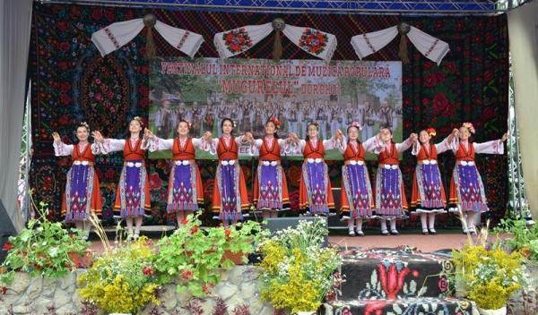 Ansambluri Festivalul Mugurelul 2019_047