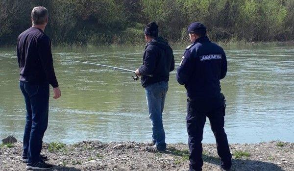 jandarmi-actionand-la-pescuitul-ilegal