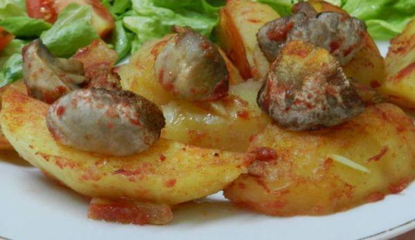 cartofi-la-tava-cu-ciuperci