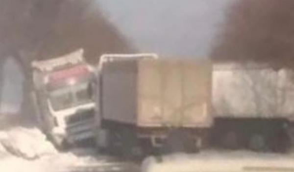Drum blocat Dorohoi-Havarna_1