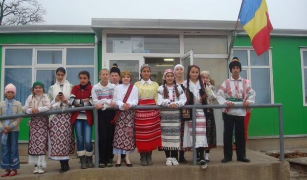 Ziua de 1 Decembrie marcată la Scoala Borzesti_02