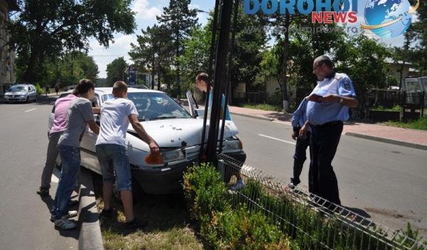 Accident produs la intrarea in Dorohoi_DSC_0479-05