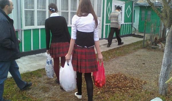 elevii Grupului Şcolar Regina Maria