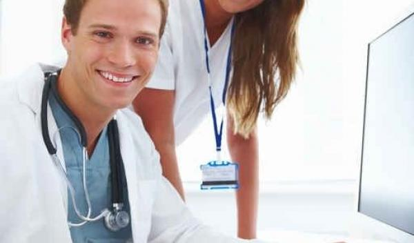 absolvent de medicină