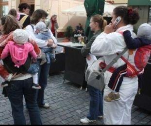 mamicile la munca