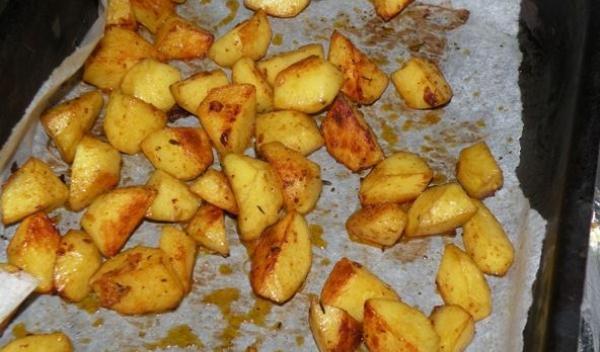 cartofii-in-tava