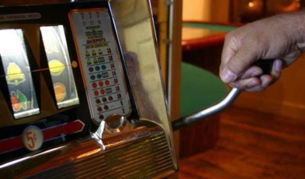 Cazinourile şi localurile cu jocuri