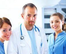 medicii şi asistenţii medicali