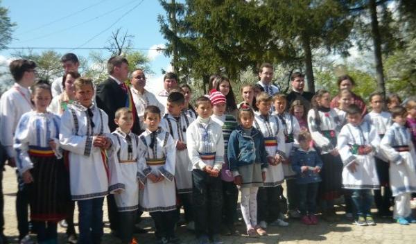 Ibanesti -Sarbatoarea tinerilor si a copiilor