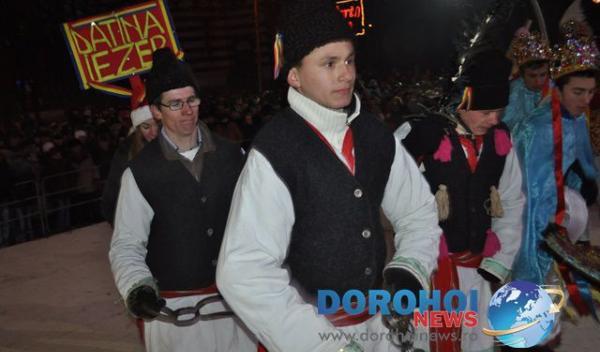 Banda Iezer_Formatii de datini si obiceiuri 31 decembrie 2014_14